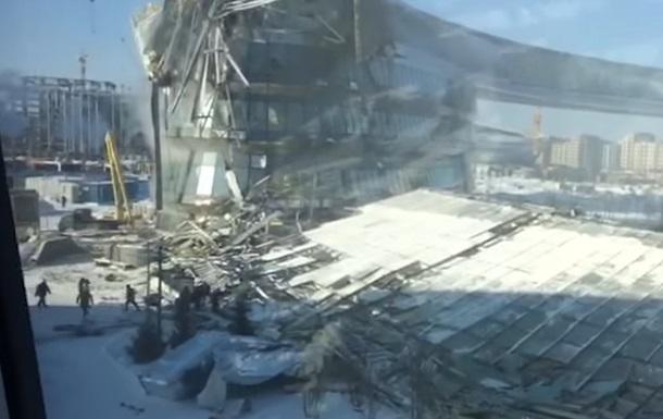 В Астане рухнуло здание на глазах у строителей