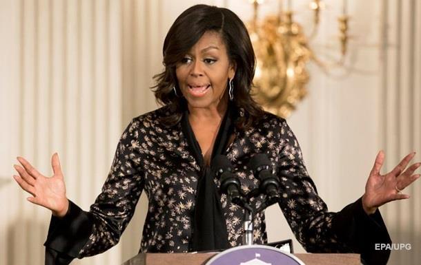 В США Мишель Обаму назвали  обезьяной на каблуках
