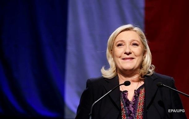 Лідер ультраправих Франції Ле Пен очолює президентські рейтинги