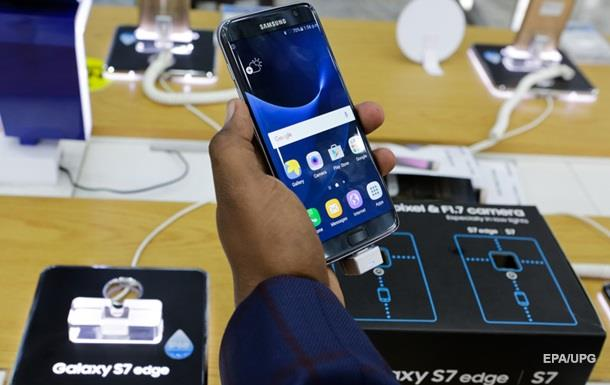 Відповідь  Яблуку : Samsung випустить Galaxy S7 у чорному глянці