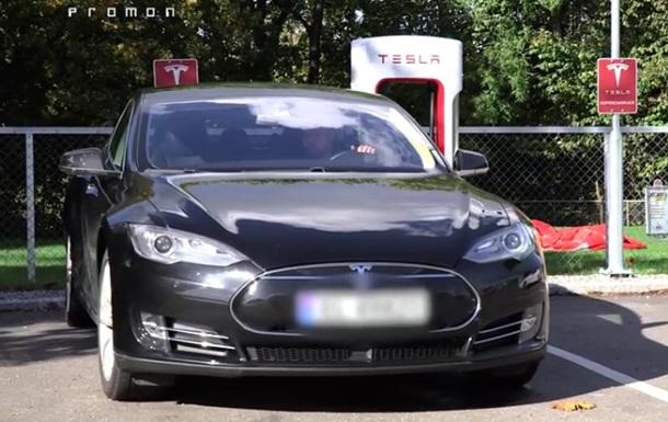 Розроблено додаток для викрадення Tesla