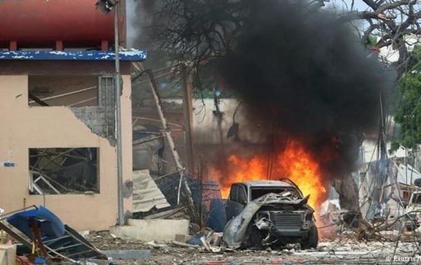 В столице Сомали взрыв, погибли десятки людей