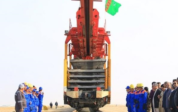 Президенты Туркменистана и Афганистана дали старт новой железной дороги