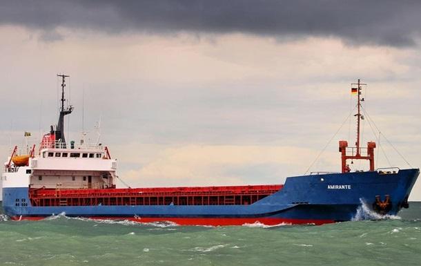 Украинские пограничники задержали судно, заходившее в крымский порт