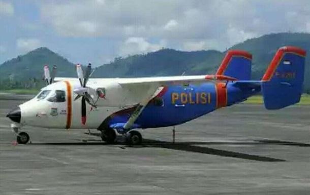 В Індонезії розбився поліцейський літак