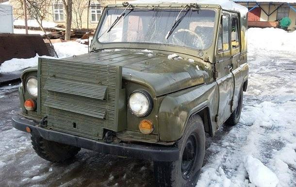 Волонтери заявили про відбирання подарованих військовим машин