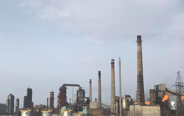 Завод Ахметова зупинився через обстріли