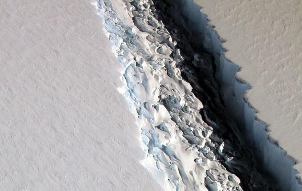 В Антарктиді виявили стокілометрову тріщину
