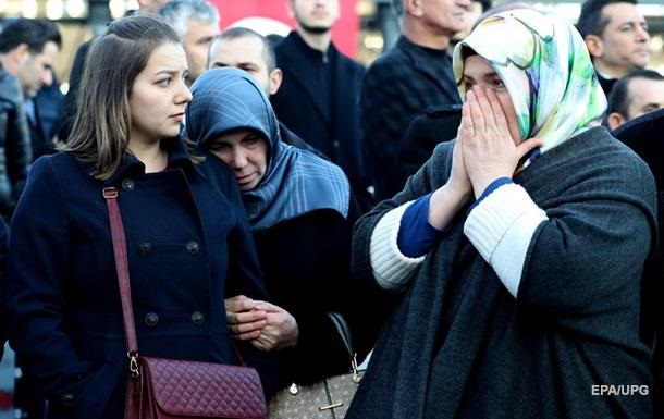Теракти у Стамбулі: затримано понад 100 осіб