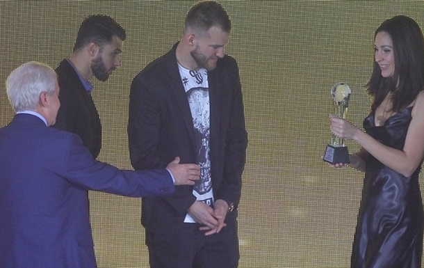 Ярмоленко - найкращий футболіст року в Україні, Коваленко - найкращий молодий