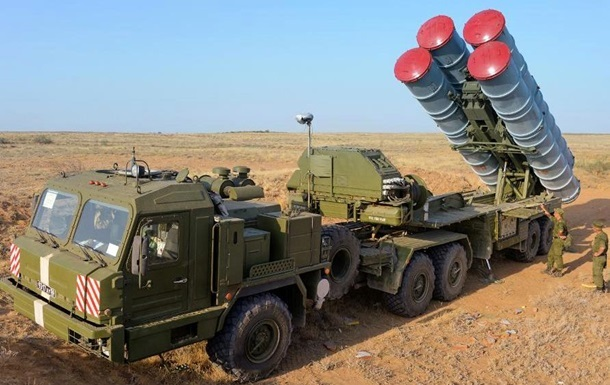 Росія розмістила в Криму полк з ракетами С-400