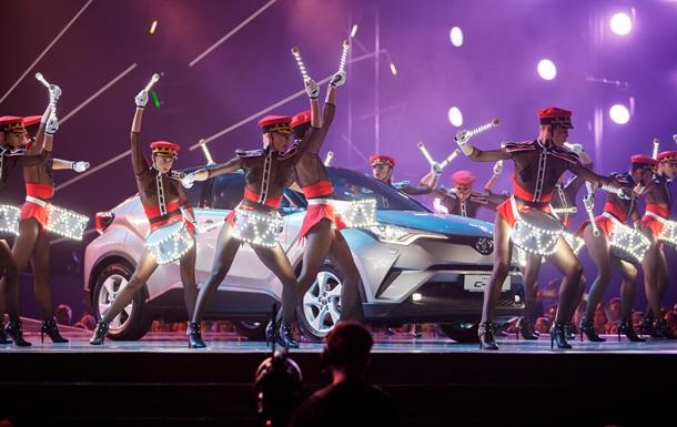 Новий Toyota C-HR на М1 Music Awards