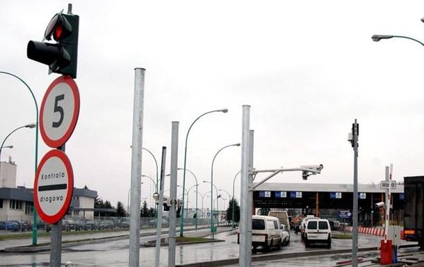 У чергах на кордоні з Польщею стоять більш як 900 автомобілів