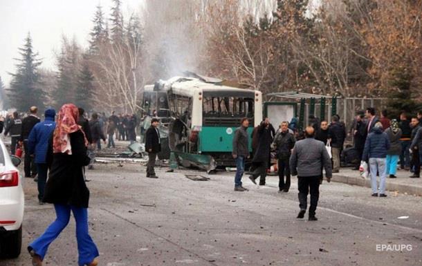 Жертвами вибуху в Туреччині стали 13 військових