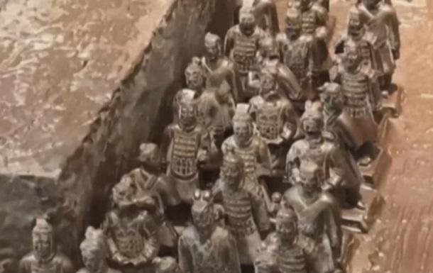 У Китаї створили теракотову армію із шоколаду