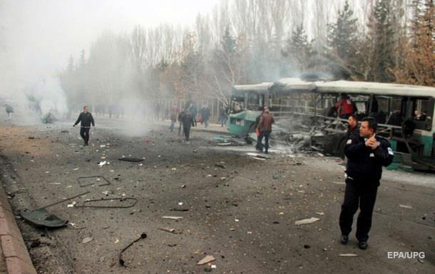 У Туреччині затримали сім осіб за підозрою у вибуху автобуса