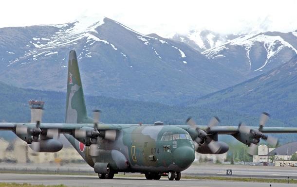 В Індонезії розбився літак: 13 загиблих