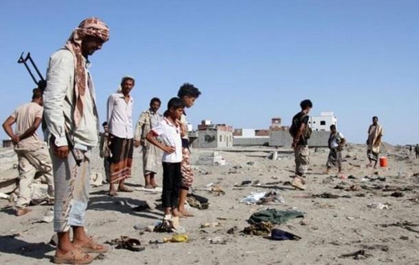При взрыве смертника в Йемене погибли 30 военных