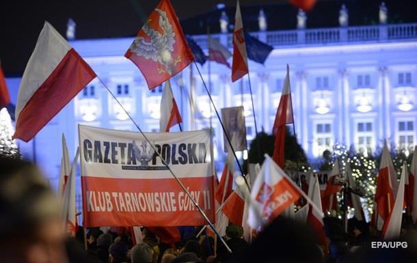 Протести в Польщі: вимагають відставки Дуди