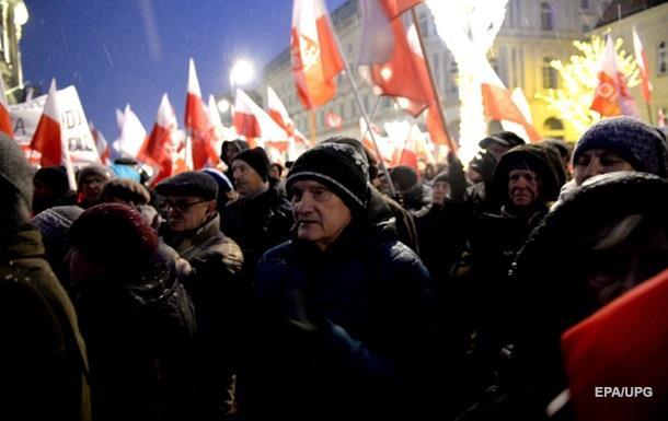 У Польщі опозиція оголосила про тривалу блокаду Сейму