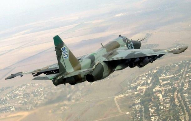У мережі показали ракетні удари українського Су-25