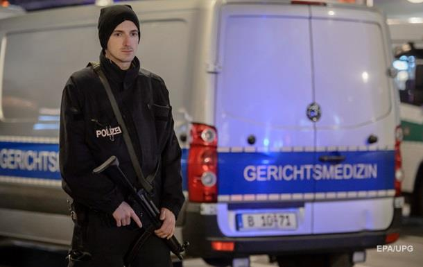 Исполнитель теракта в Германии сбежал - полиция