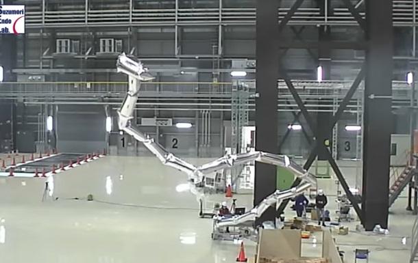 В Японии из воздушных шаров создали робота