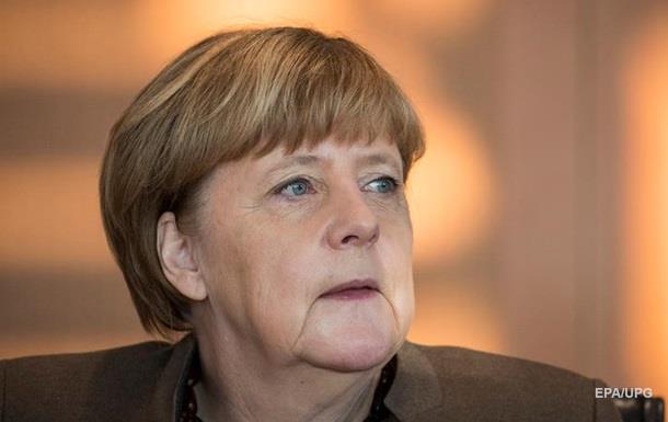 Меркель підтримала націоналізацію ПриватБанку
