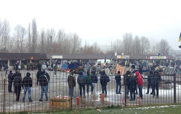 На рынке возле метро Харьковская произошли стычки