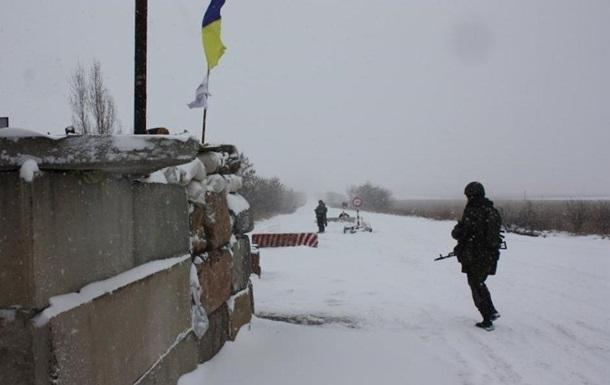 Військові встановили блокпост біля Новолуганського