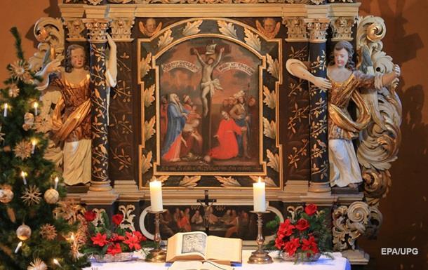 Католики всього світу святкують Різдво Христове