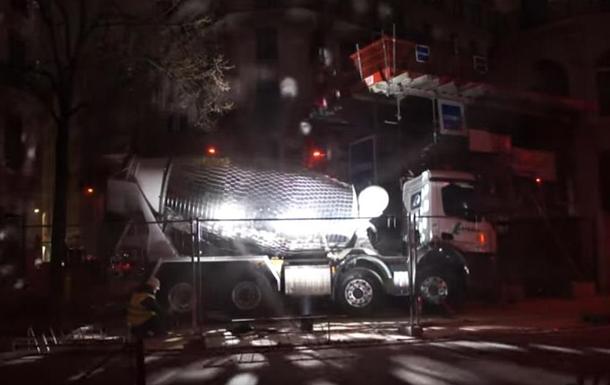 Француз перетворив бетонозмішувач на дискотечну кулю