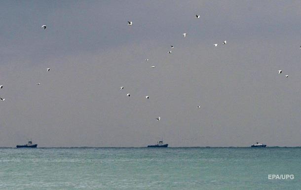 Обломки самолета Минобороны ищут в Черном море