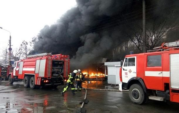 Згорілий ринок на Лісовій пожежники не перевіряли два роки