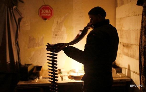 Доба в АТО: 33 обстріли позицій військових