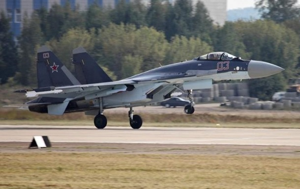 Росія відправила до Китаю перші винищувачі Су-35