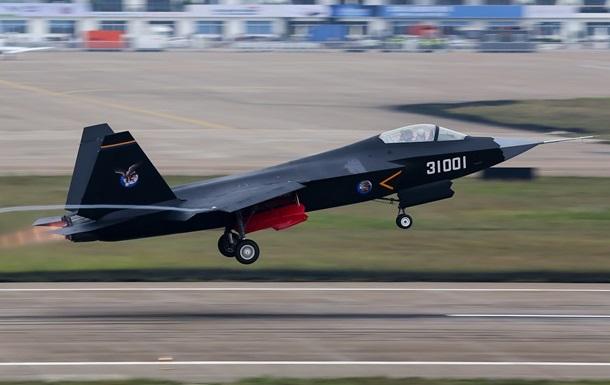 Китай випробував другий прототип винищувача п ятого покоління