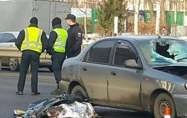 В Киеве авто насмерть сбило перебегавшего дорогу студента