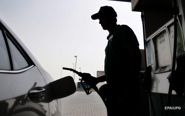 В Украине упали продажи бензина
