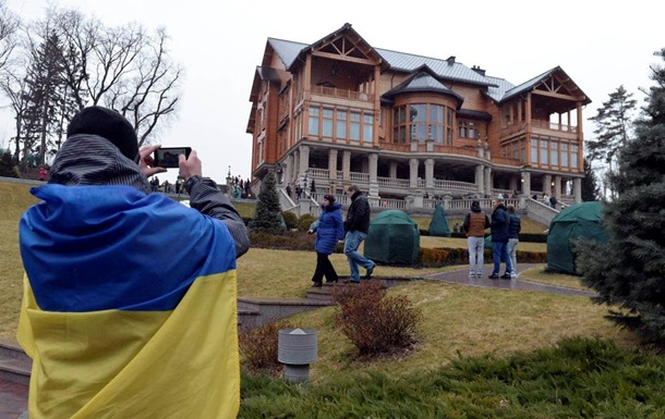 Аби тільки не Тимошенко. Новий скандал у Межигір ї