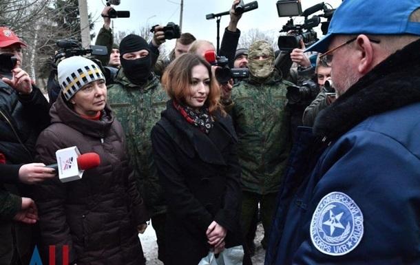 У мережі обговорюють звільнених ДНР жінок