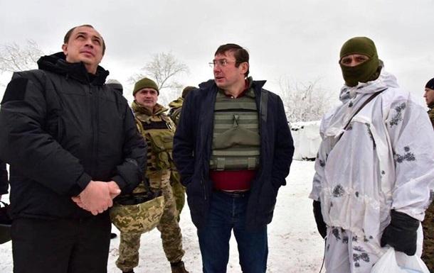 Луценко відвіз безпілотник в АТО