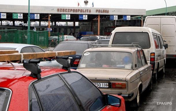 На кордоні з Польщею застрягли понад 1300 автомобілів