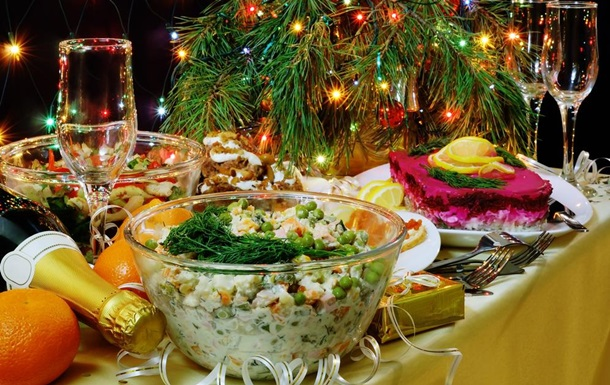 В Опоблоці підрахували, у скільки обійдеться новорічний стіл