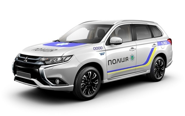 Mitsubishi зробила Нацполіції знижку в 100 авто