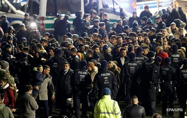 Поліцію Кельна звинуватили в расизмі при охороні новорічних гулянь