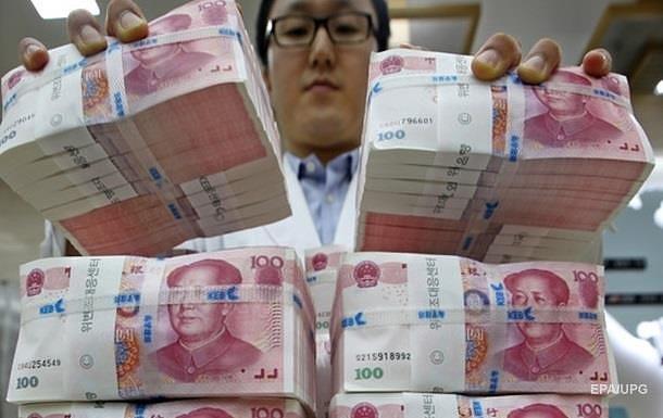 У Китаї ввели нові обмеження при купівлі валюти