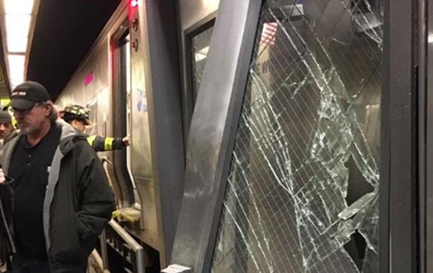 У Нью-Йорку поїзд зійшов з рейок: більше 100 постраждалих