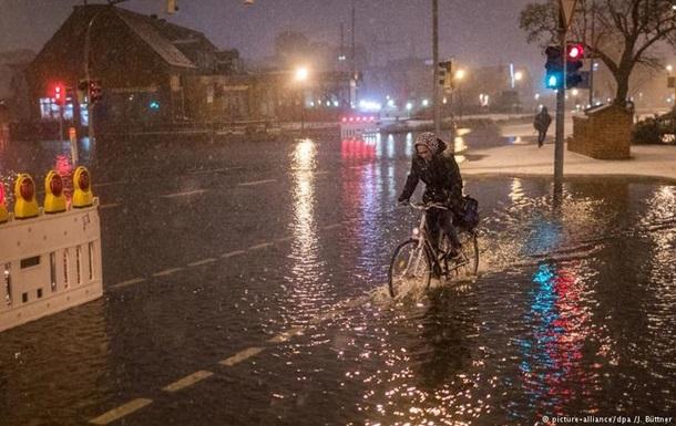 Север Германии пострадал от наводнений