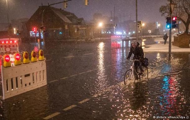 Північ Німеччини потерпає від сильної повені